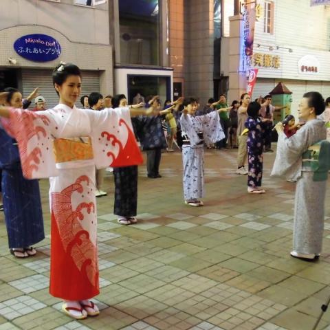 2015.7.18 踊りおけいこ会(都通り)